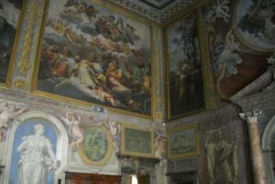 Роспись стен дворца