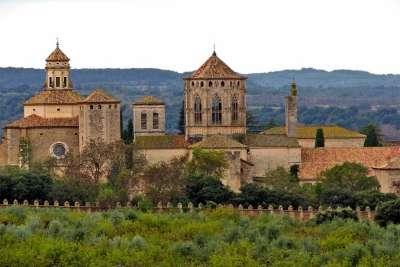 Вид на монастырь