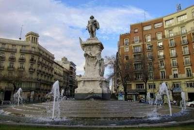 Памятник Кеведо в Мадриде