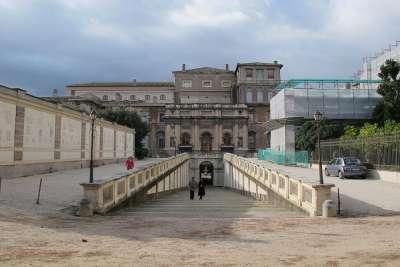 Вид на дворец сбоку