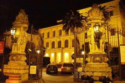 Дворец Барберини ночью