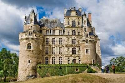 Замок Бриссак в окрестностях Анже