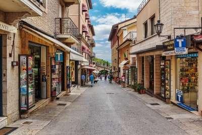 Шоппинг-улица в Сан-Марино