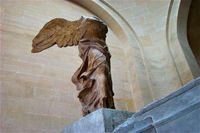 Скульптура Ники Самофракийской
