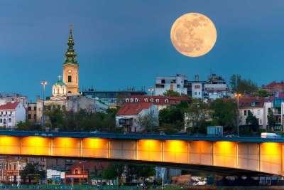 Виды ночной Сербии