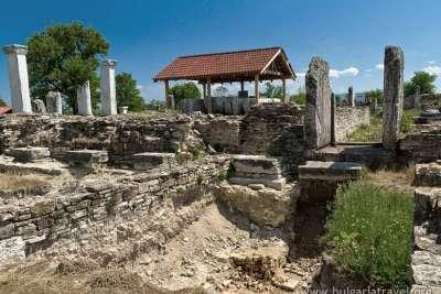 Руины древнего города Никополис ад Иструм