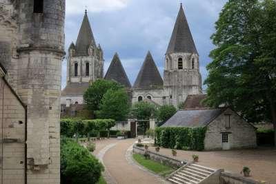 Церковь на территории замка