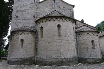 Архитектура церкви Сан-Сиро