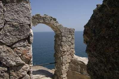 Руины крепости