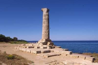 Руины древнегреческих сооружений в Кротоне