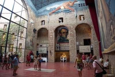Театр-музей Дали внутри