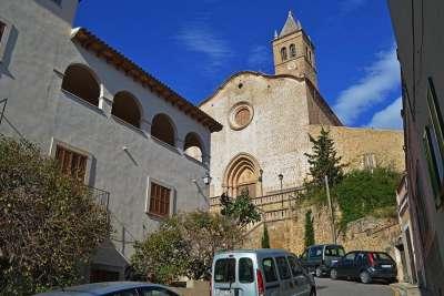 Церковь Санта-Мария