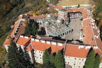 Вид на Рильский монастырь с высоты