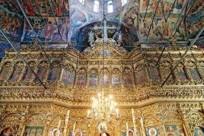 Внутри Церкви Рождества Богородицы