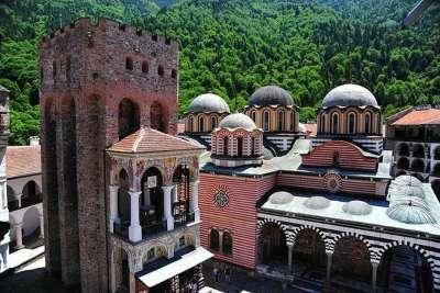 Хрелева башня - самое древнее строение Рильского монастыря