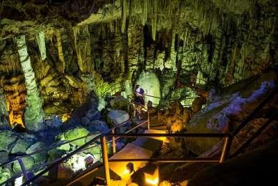 Идийская пещера внутри