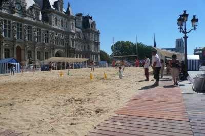Пляж в районе Гревской площади