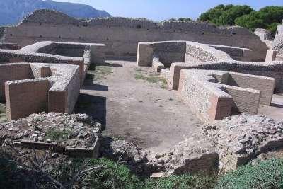 Руины виллы, где жил Тиберий
