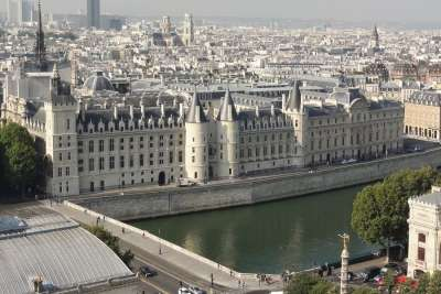 Вид на дворец сверху