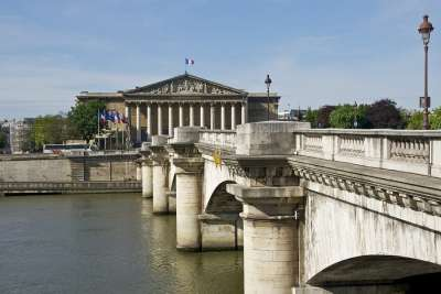 Мост к Бурбонскому дворцу