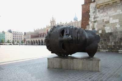 Памятник на рыночной площади