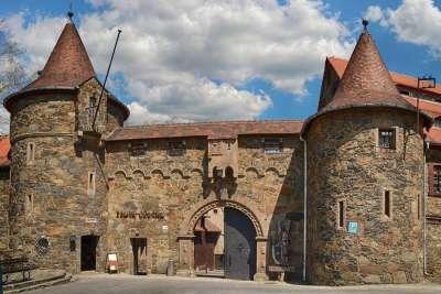 Внешние ворота замка