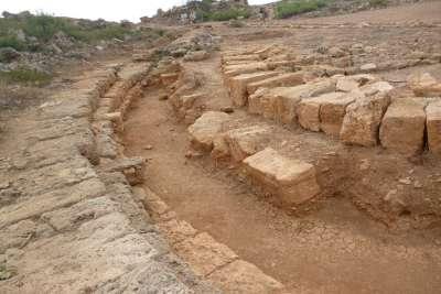 Руины древнего порта Фаласарна