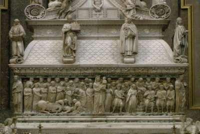 Саркофаг Святого Доминика