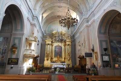 Интерьер костела
