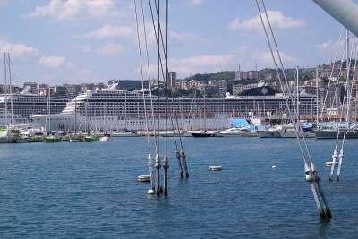 Круизный лайнер в Порту