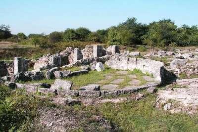 Римская крепость Пристань шестидесяти кораблей