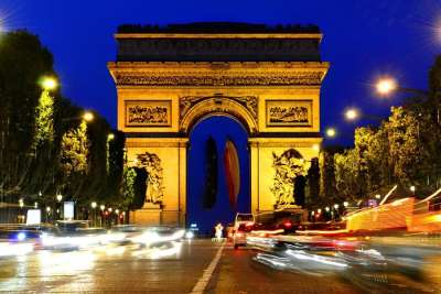 Триумфальная арка. Ночной вид