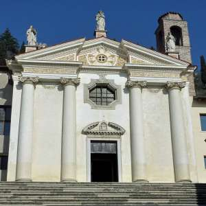 Церковь Маростики