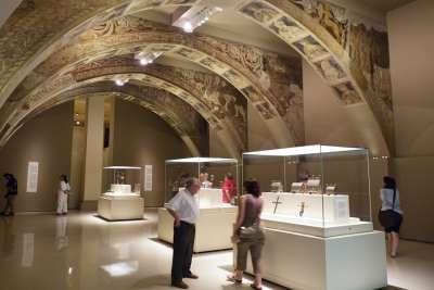Зал романского искусства Каталонского музея