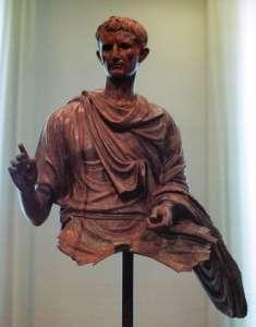Статуя императора Августа, 10-12 год