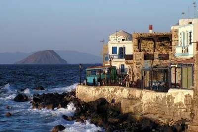 Вид с острова Насирос