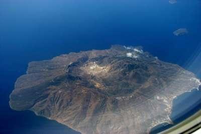 Остров Нисирос. Вид с самолета