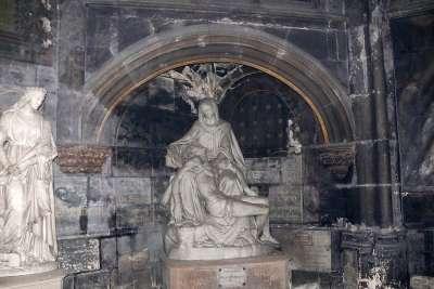 Скульптуры церкви
