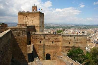 Смотровая площадка на башне Альгамбры
