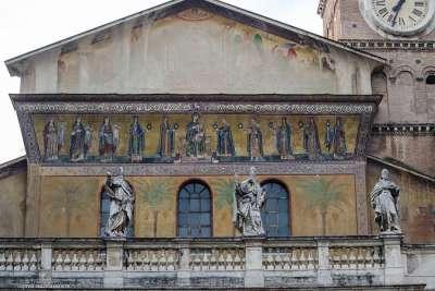 Архитектура Санта-Мария ин Трастевере