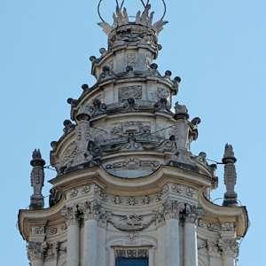 Барельеф на церкви