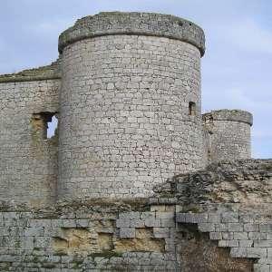 Башня замка Пиоз