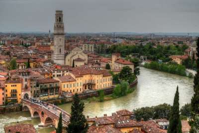 Река Адидже. Верона. Италия