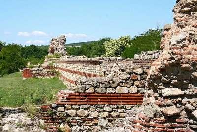 Древняя крепость Хисар