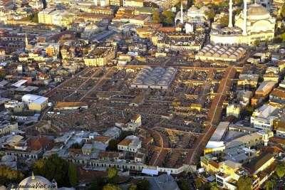 Гранд Базар - один из крупнейших крытых рынков в мире