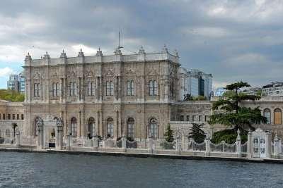 Долмабахче - дворец в Стамбуле