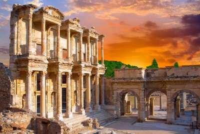 Древние сооружения в Эфесе