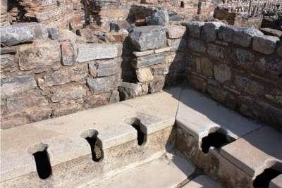 Общественный туалет в Эфесе