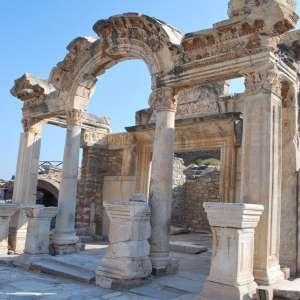 Храм Андриана