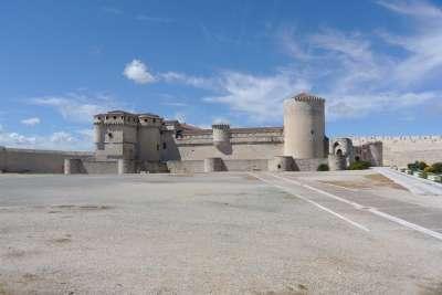 Замок Куэльяр. Вид сбоку